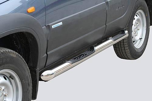 Пороги «Труба Люкс» с проступями (Ø=76), Chevrolet Niva (03.2009 -)/Lada Niva (07.2020 -),  Niva Travel (нержавеющая сталь)
