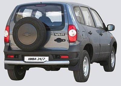 Защита заднего бампера «Труба с проступью» с металлическим заглушкой, Chevrolet Niva (03.2009 -)/Lada Niva (07.2020 -)