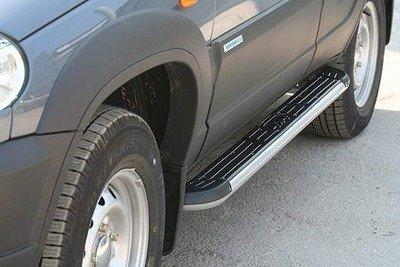 Пороги с пластиковой накладкой, Chevrolet Niva (03.2009 -)/Lada Niva (07.2020 -), Niva Travel