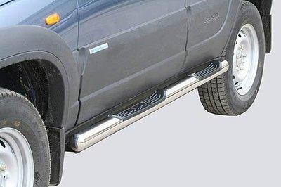 Пороги «Труба с проступью» (Ø=76 мм), Chevrolet Niva (03.2009 -)/Lada Niva (07.2020 -) (нержавеющая сталь)
