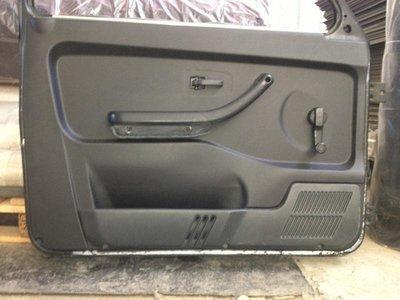 Комплект жесткой обивки Передних Дверей 2121-21214 (ворс/кожа) с Карманами для Мелочевки, Подстаканниками и Местом под Акустику