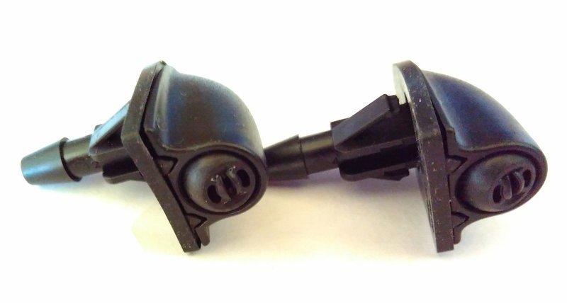 Форсунка омывателя лобового окна (Веерный поток). Chevrolet Niva и Lada 4х4 (цена за 1 шт.).