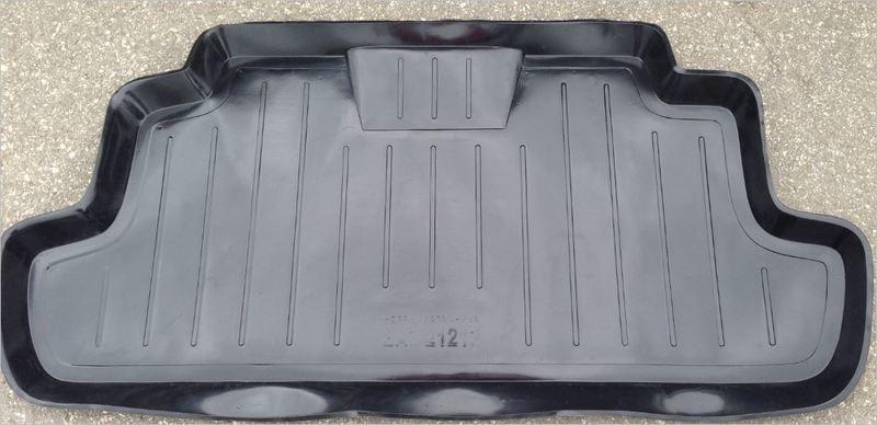 Поддон в багажник (пластиковый)