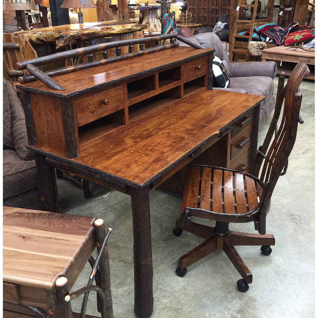 """Desk 60"""" Complete with Top Organizer"""