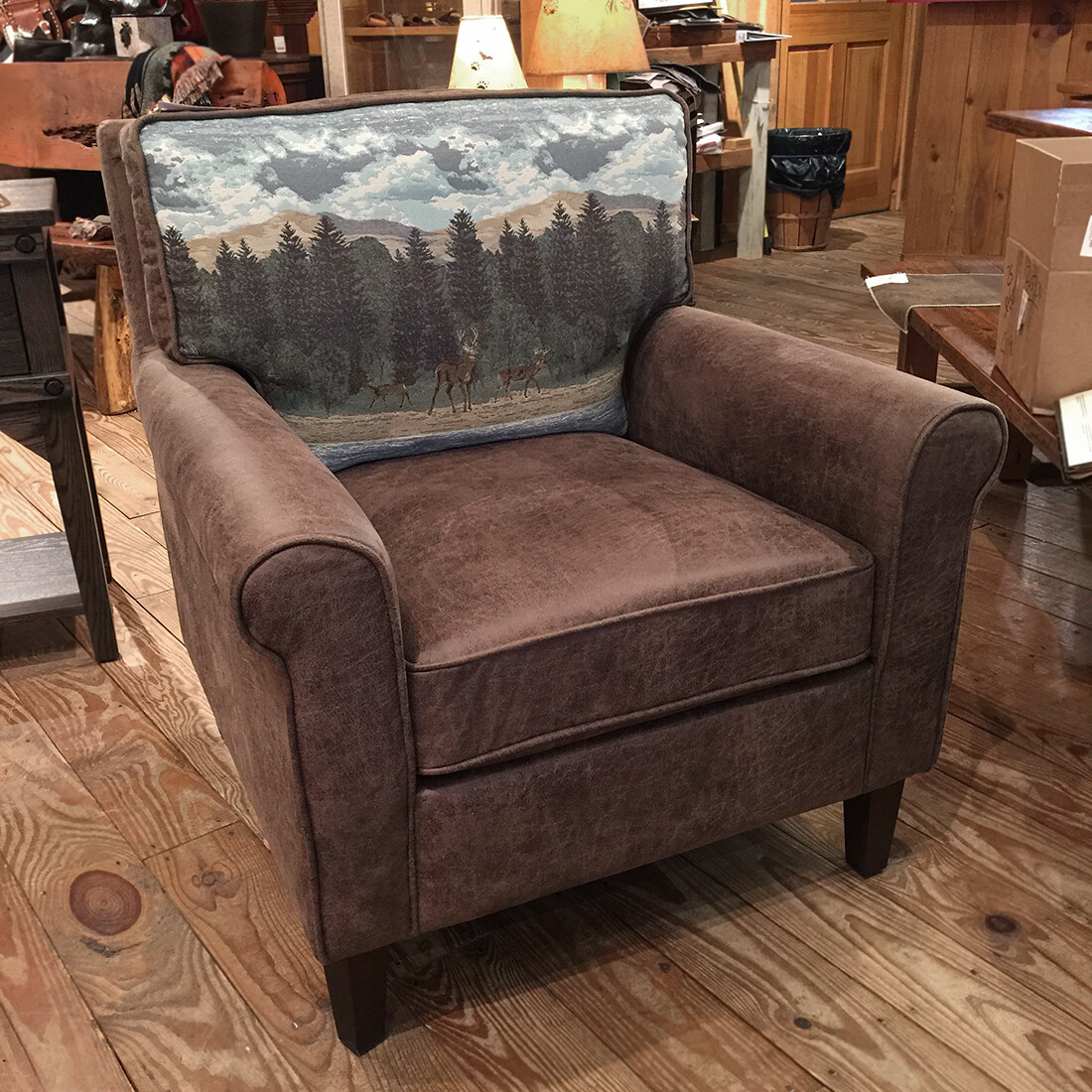 EASY LIVING BUCK ACCENT CHAIR