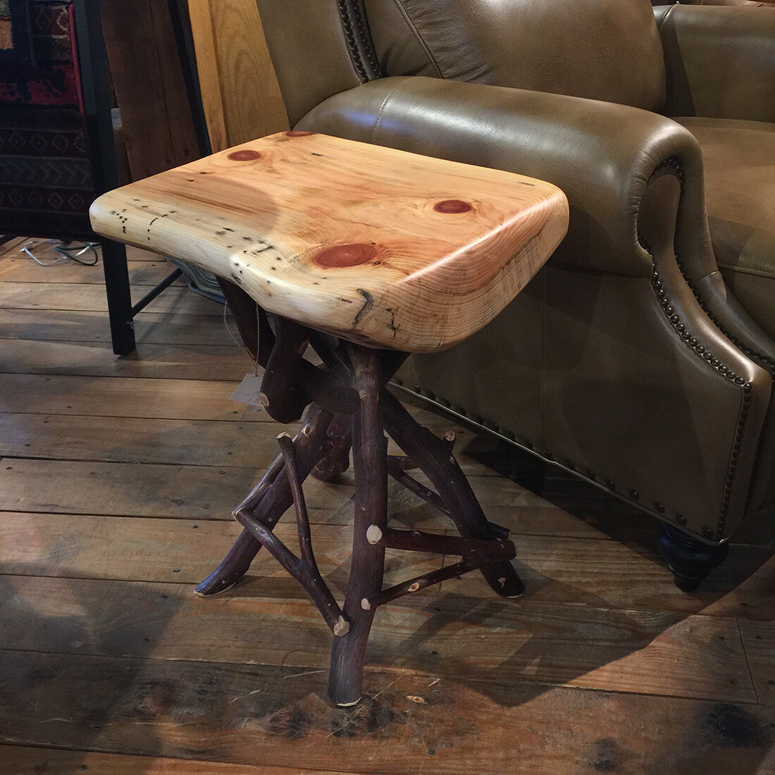 Pine Quad Pod Side Table with Mountain Laurel