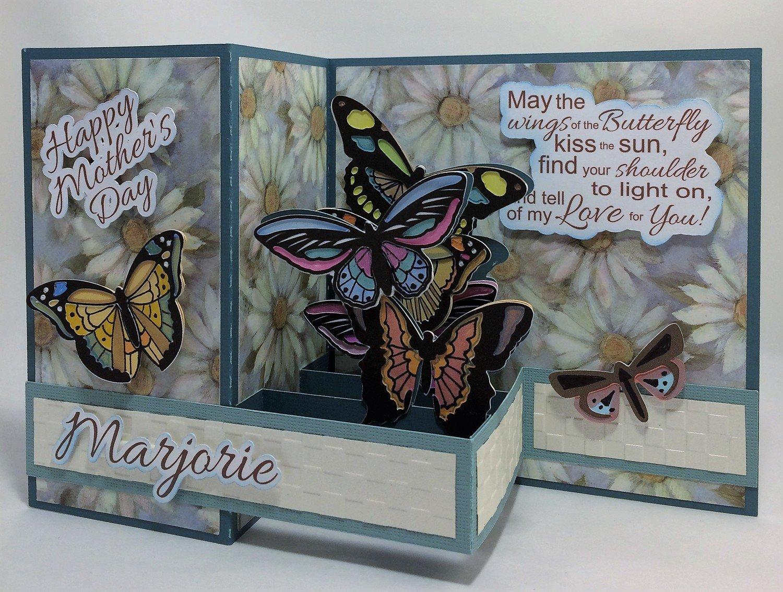 Butterfly - Daisy background