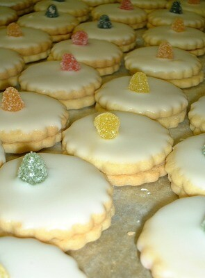 Empire Biscuits (4)