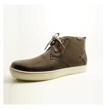 Chuka Sneakers