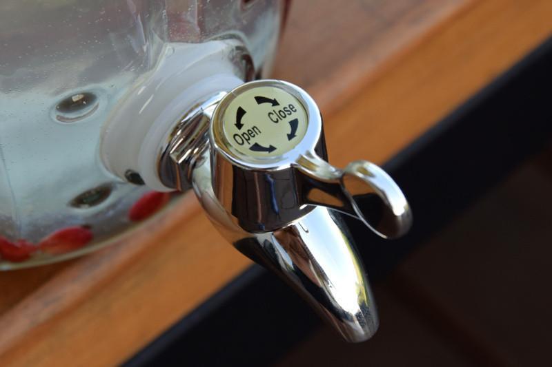 Стеклянный графин Кактус с краном, 4 л