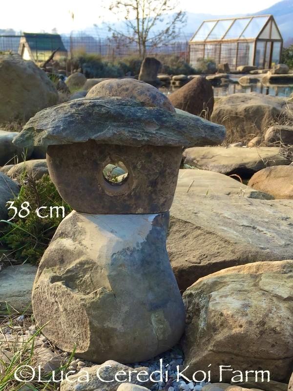 Lanterna in sasso fatta a mano 38 cm