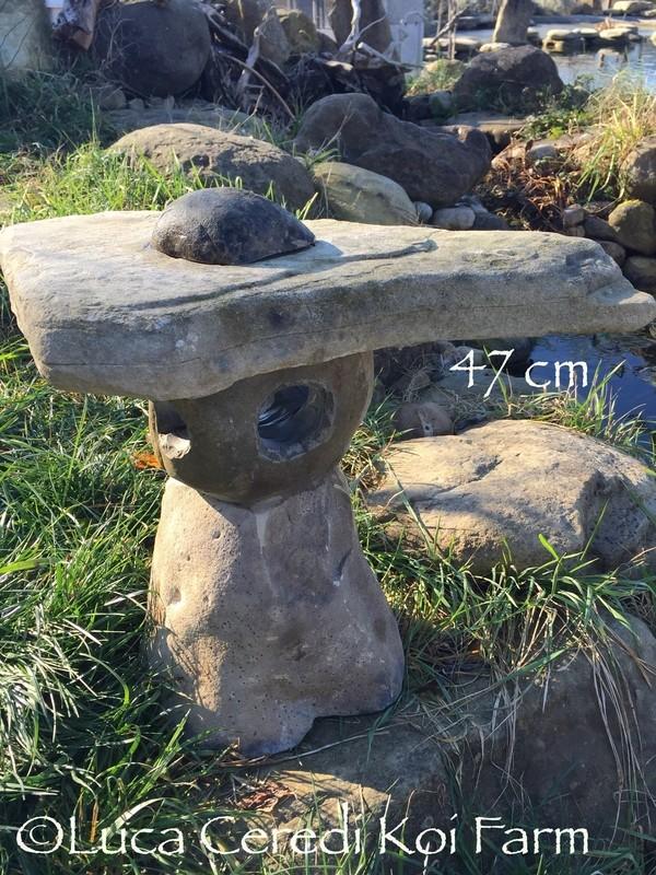 Lanterna in sasso fatta a mano 47 cm