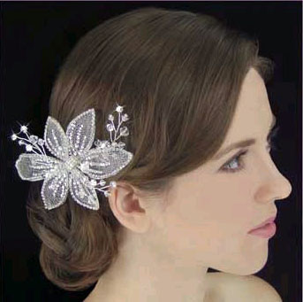 CRYSTAL HAIR FLOWER