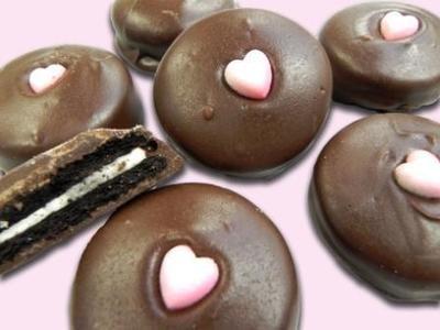 Chocolate Covered Oreos - Valentine's Day