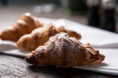 Almond Croissants (1/2 dozen)