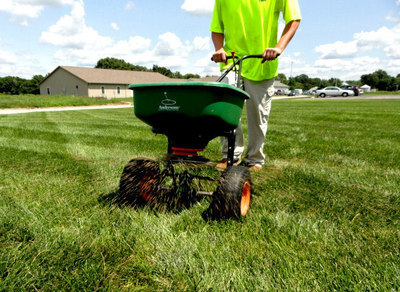 Winter Fertilizer Application for lawns under 2000 sq ft. For lawns larger click on Buy Now and a popup will ask for the size