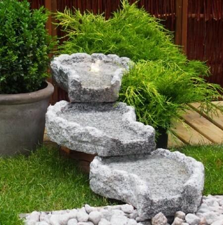Vattenfall ljusgrå granit