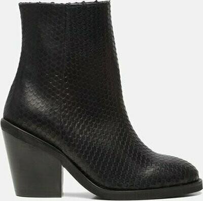 Hip Snake Boot