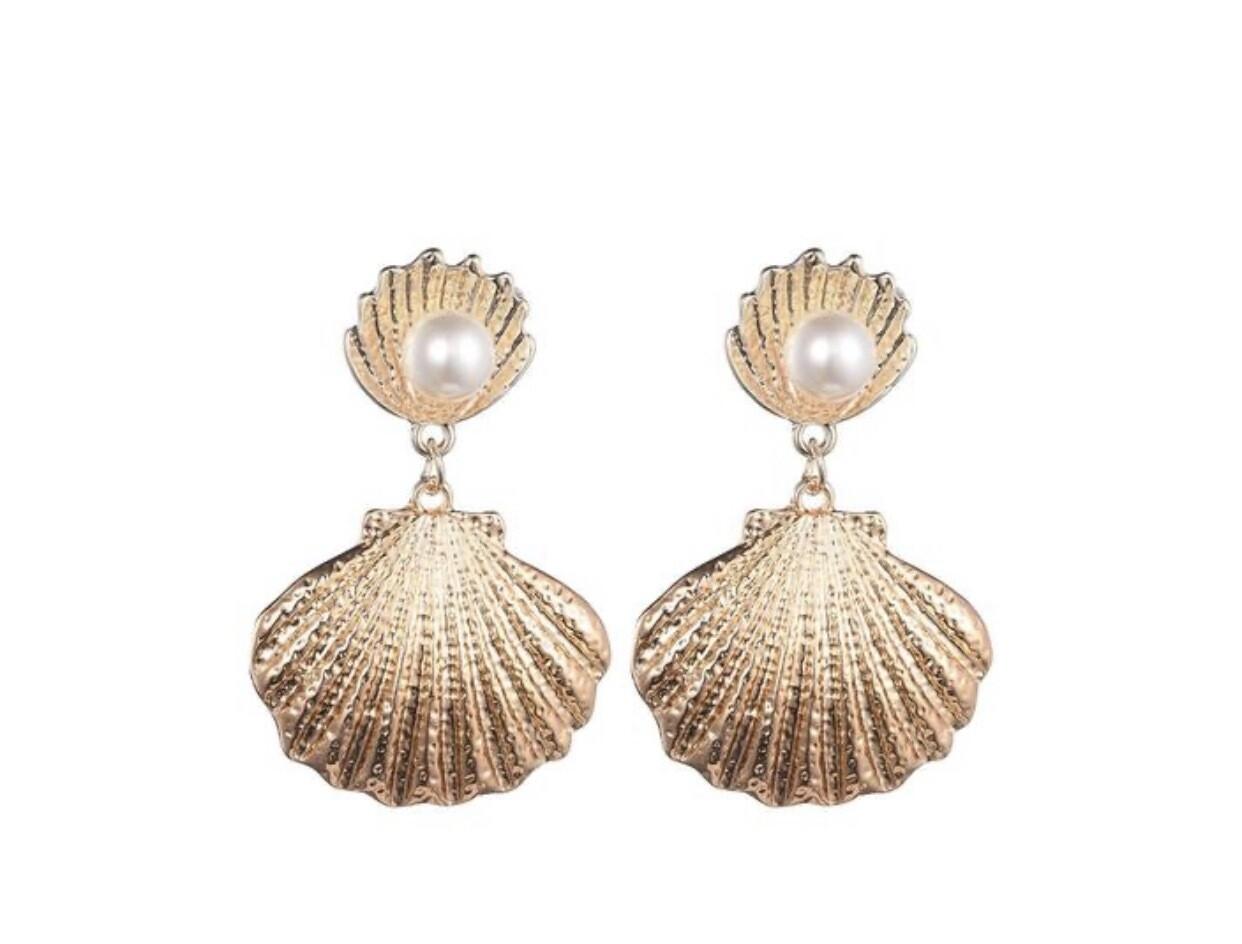 Margot Bardot Sea Shell Pearl Earrings