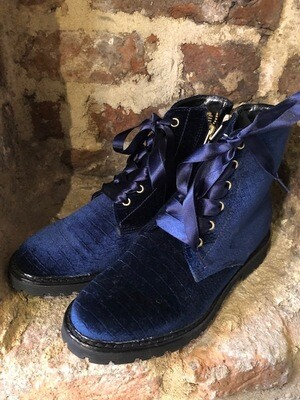 Hip Shoe Style Molly Bleu velvet (outlet)