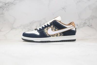 Custom Sneaker - Nike Swed Dunk Low SB