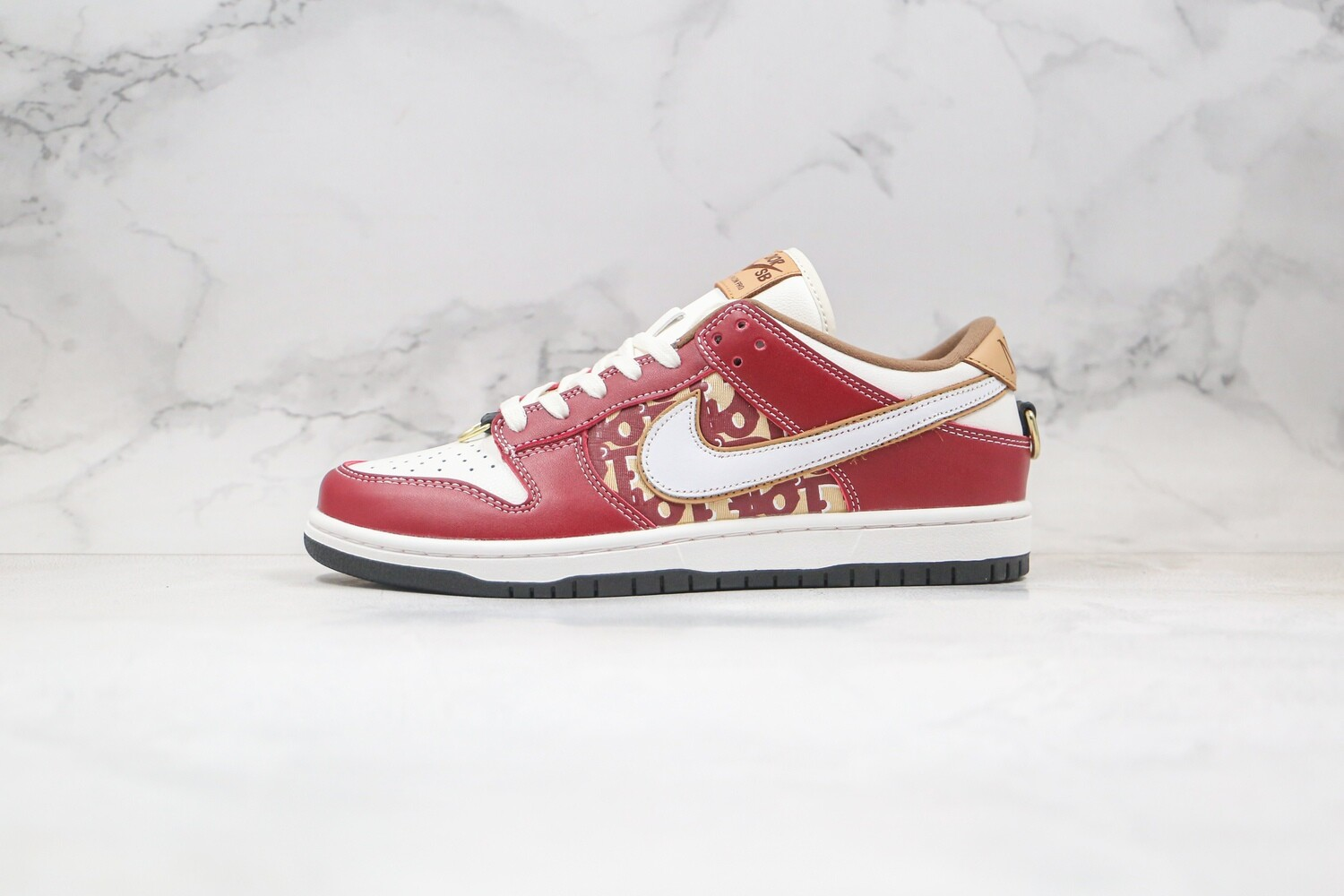 Custom Sneaker - Nike Dunk Red BeigeD Low