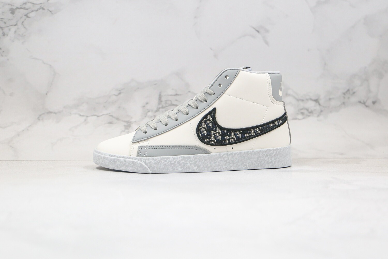 Custom Sneaker - Nike/D Portland Razers