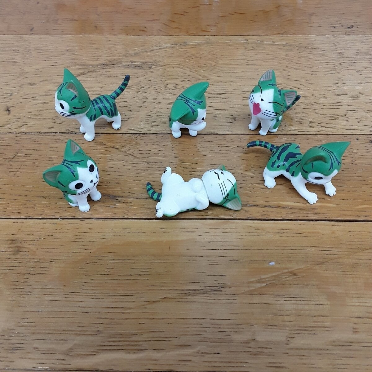 Anime Styled Cat Miniatures (Green or Grey)