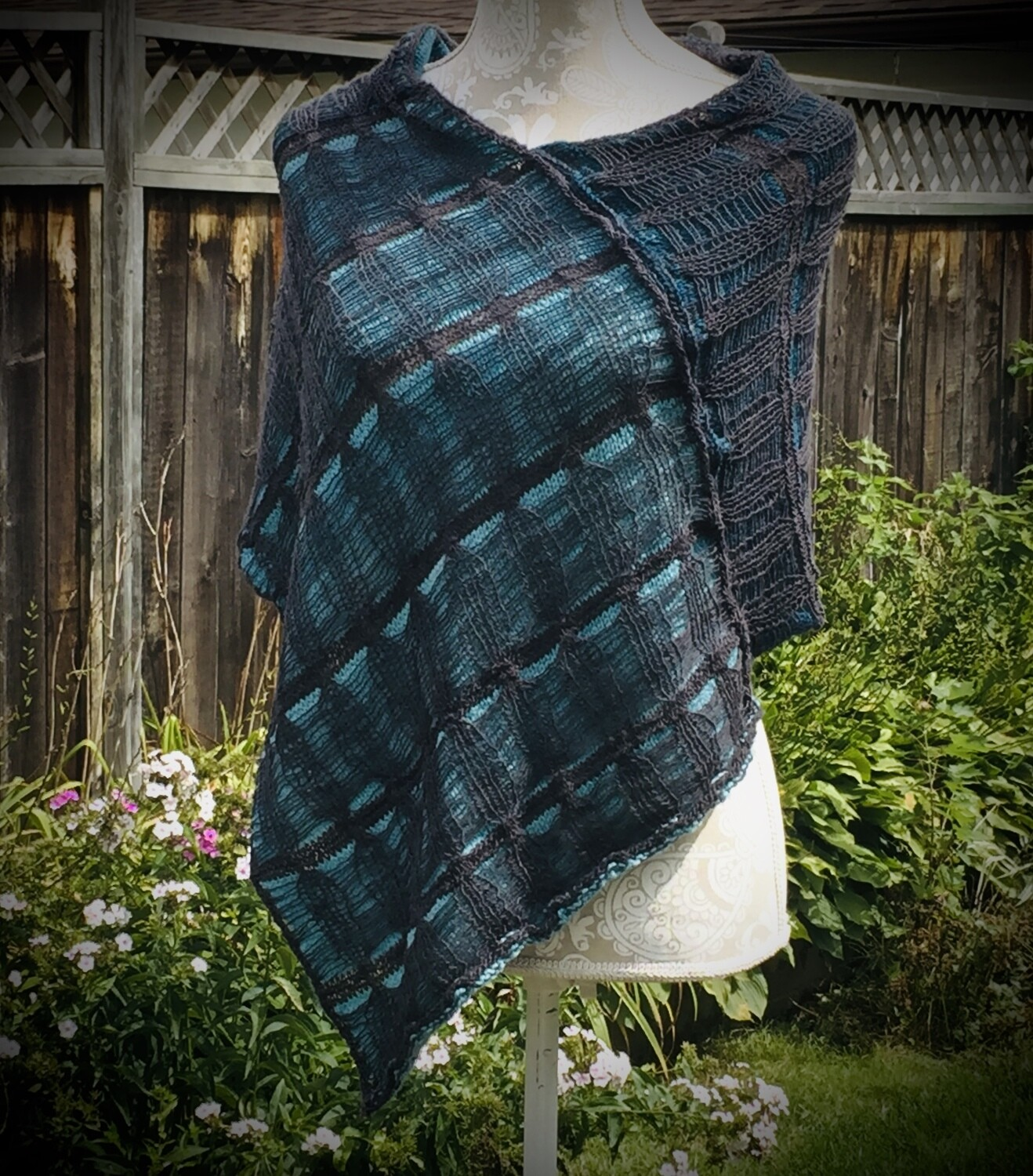 Hand Knit: Midnight Ombre' Poncho Pattern