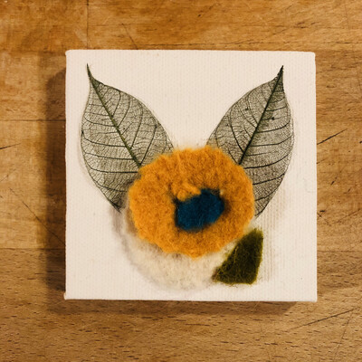 Yarn Art - Flower Gold 3x3""