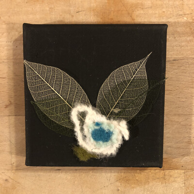 Yarn Art - Flower Lovely Blue 4x4""