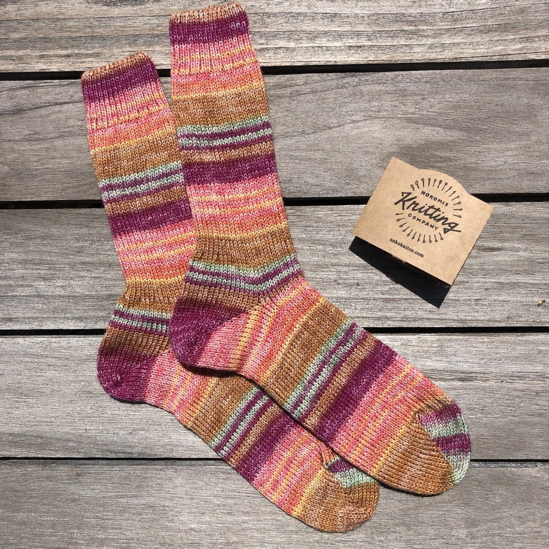 Woman's Crew Socks Size 7 to 8 - Dabocecia