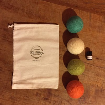 Dryer Balls Kit - Set of 4 with Essential Oils - Bag