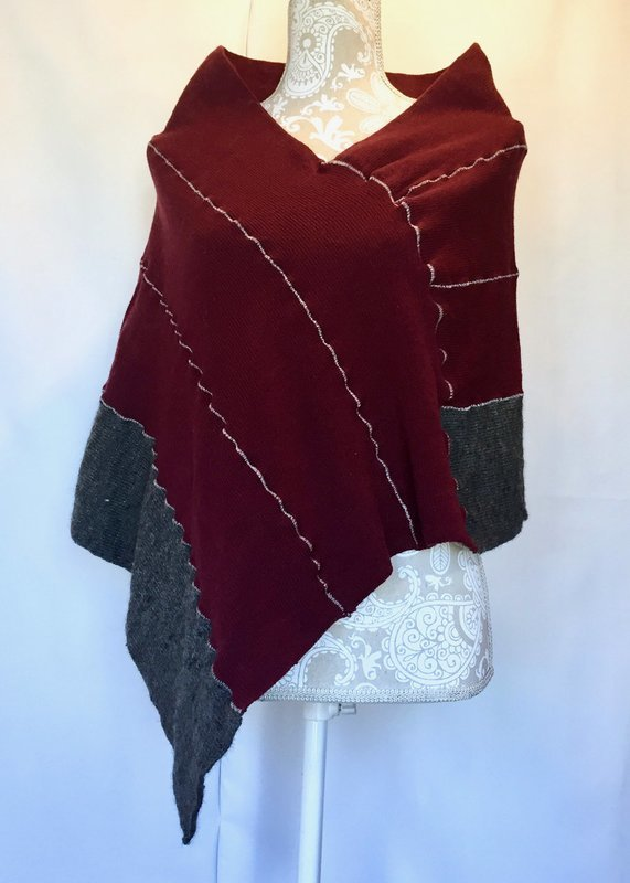 Poncho in Maroon & Gray