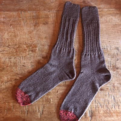 Men's Crew Socks Size 10 to 11 - Dress Brown with Red Toe