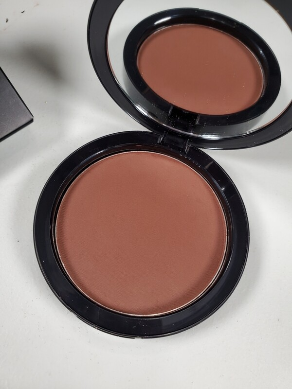 Mervo - Dual Blend Multi-Use Foundation/Contour Powder