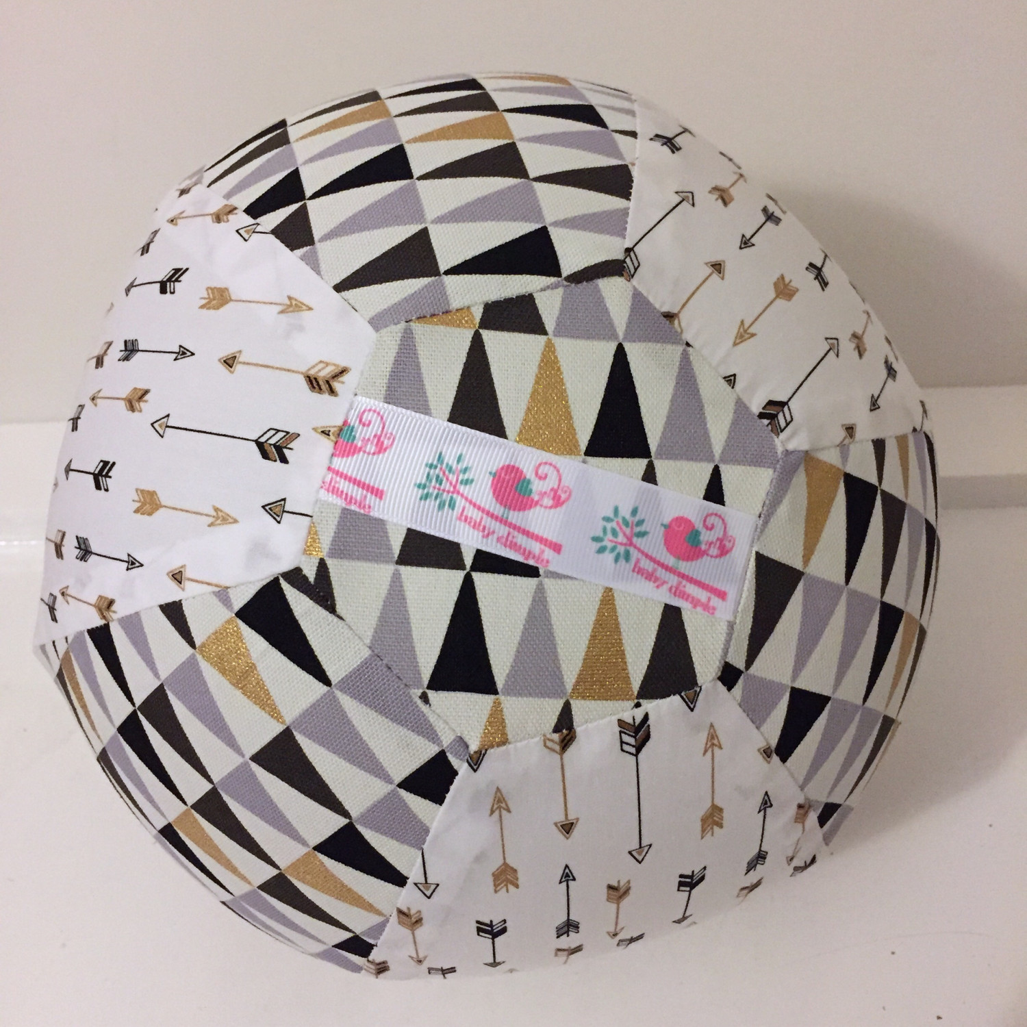 Geo Arrow BallOon Ball