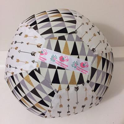 Geo Arrow BallOon Ball
