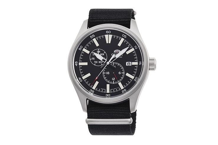 Reloj Automático Hombre Orient Defender RA-AK0404B Hand Hacking / Self-winding  correa tela