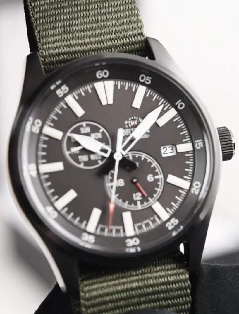 Reloj Automático Hombre Orient Defender RA-AK0403N Hand Hacking / Self-winding   correa tela