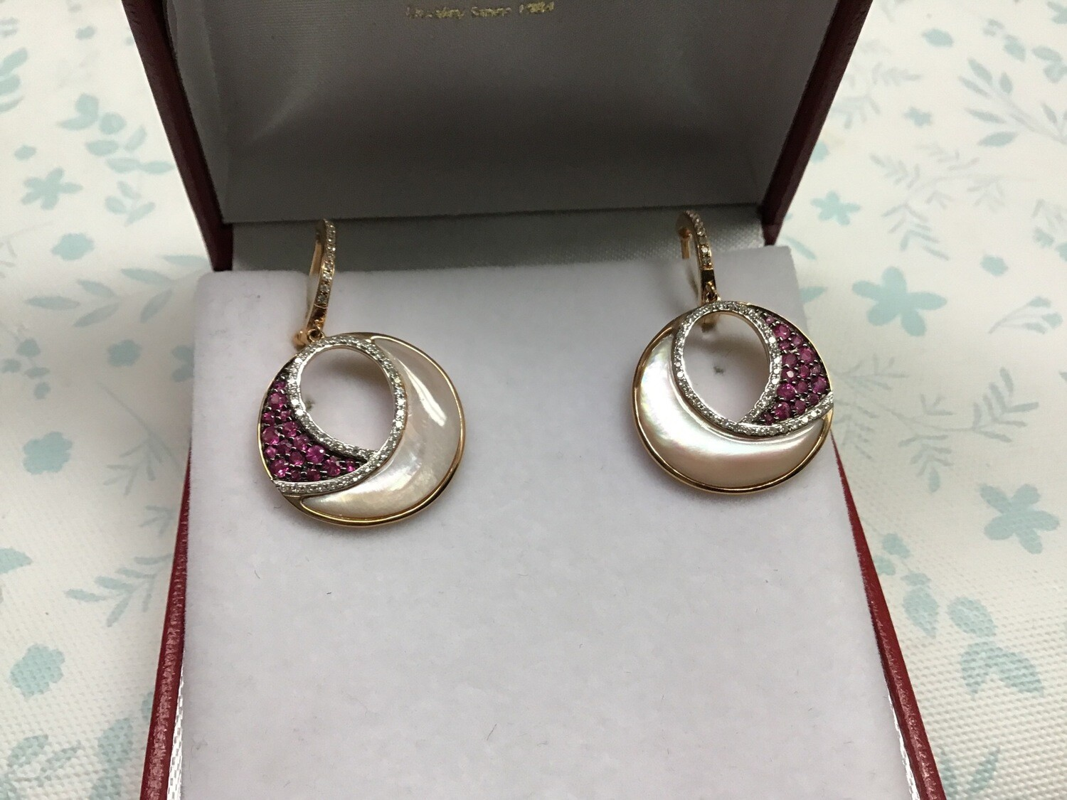 RUBY AND MOTHER OF PEARL EARRINGS WITH DIAMONDS
