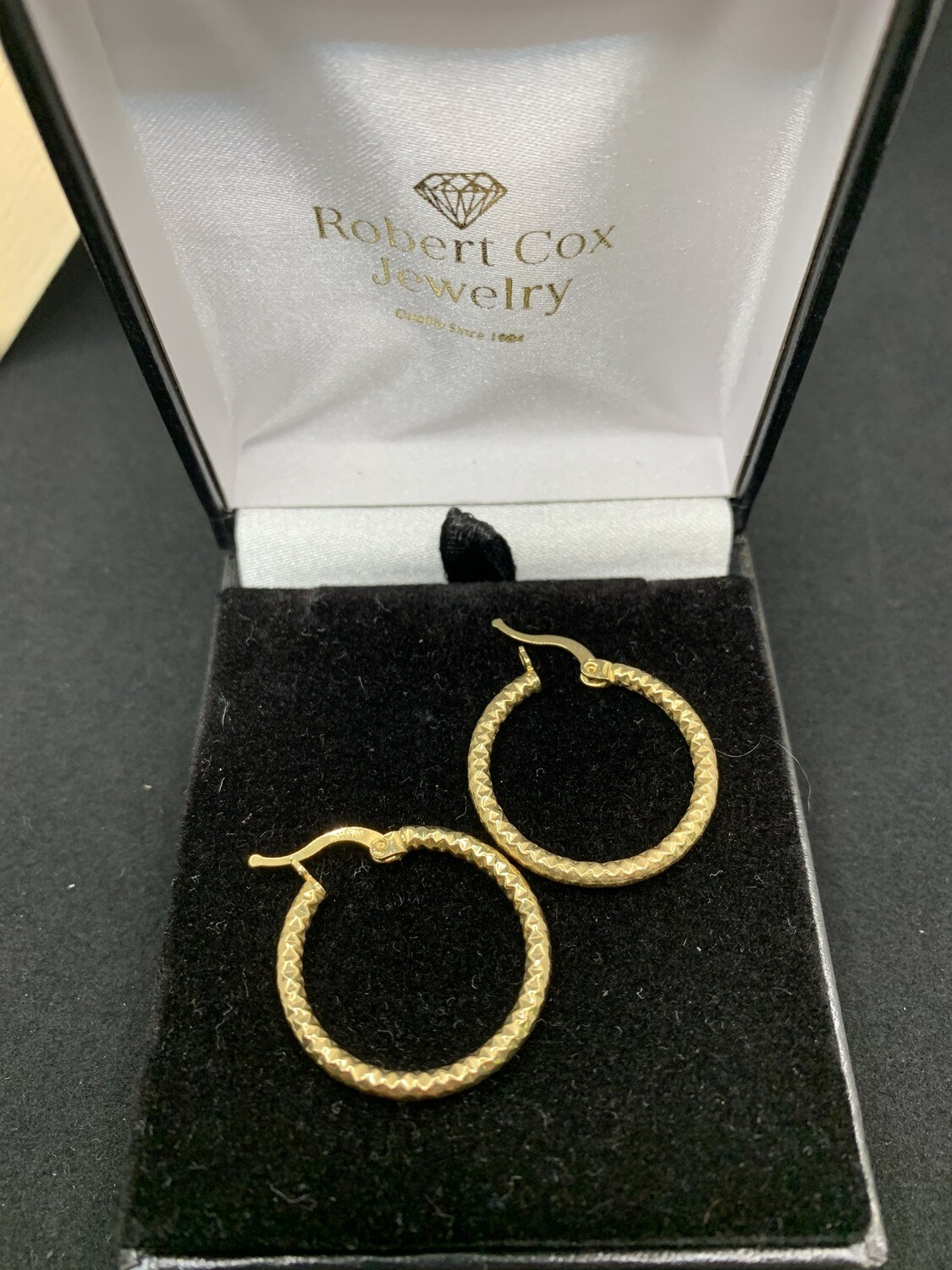10K Yellow Gold Textured Tube W/ Click Catch 27mm X 25mm