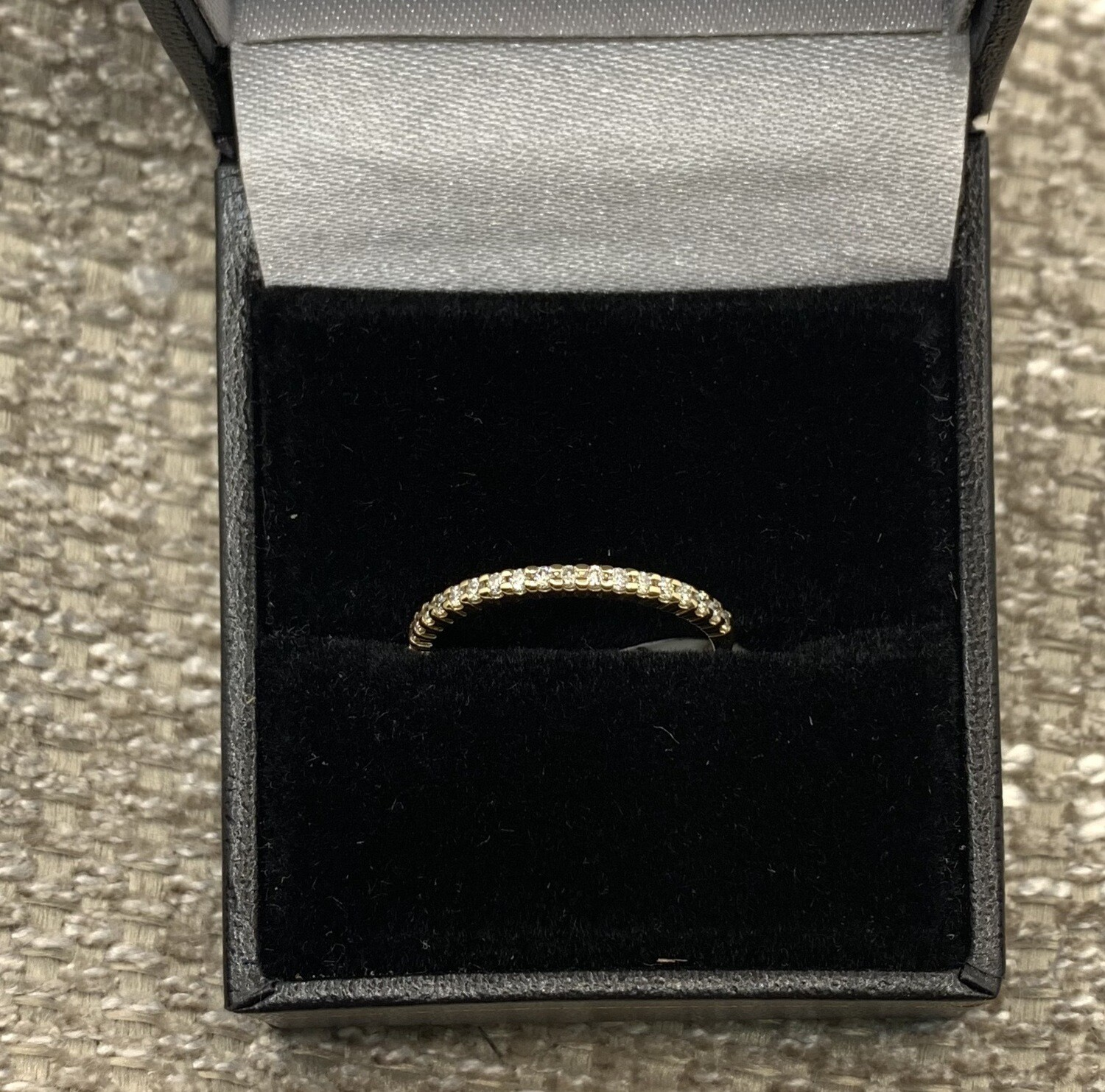 Wedding/anniversary Band