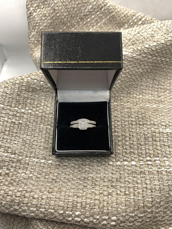 Sparkling Diamond Engagement And Wedding Band Set
