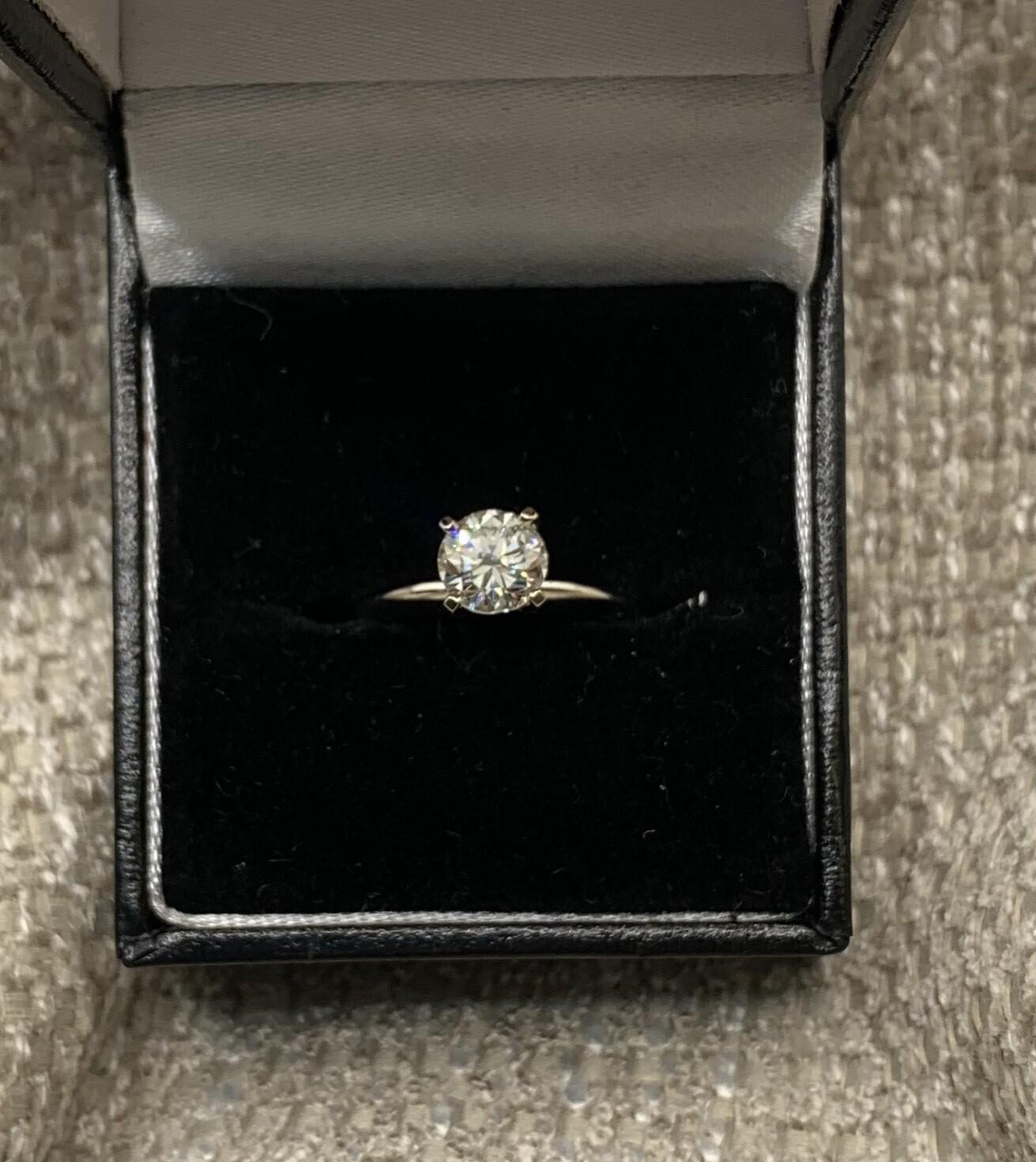 Brilliant 1 Ct Solitaire Engagement Ring