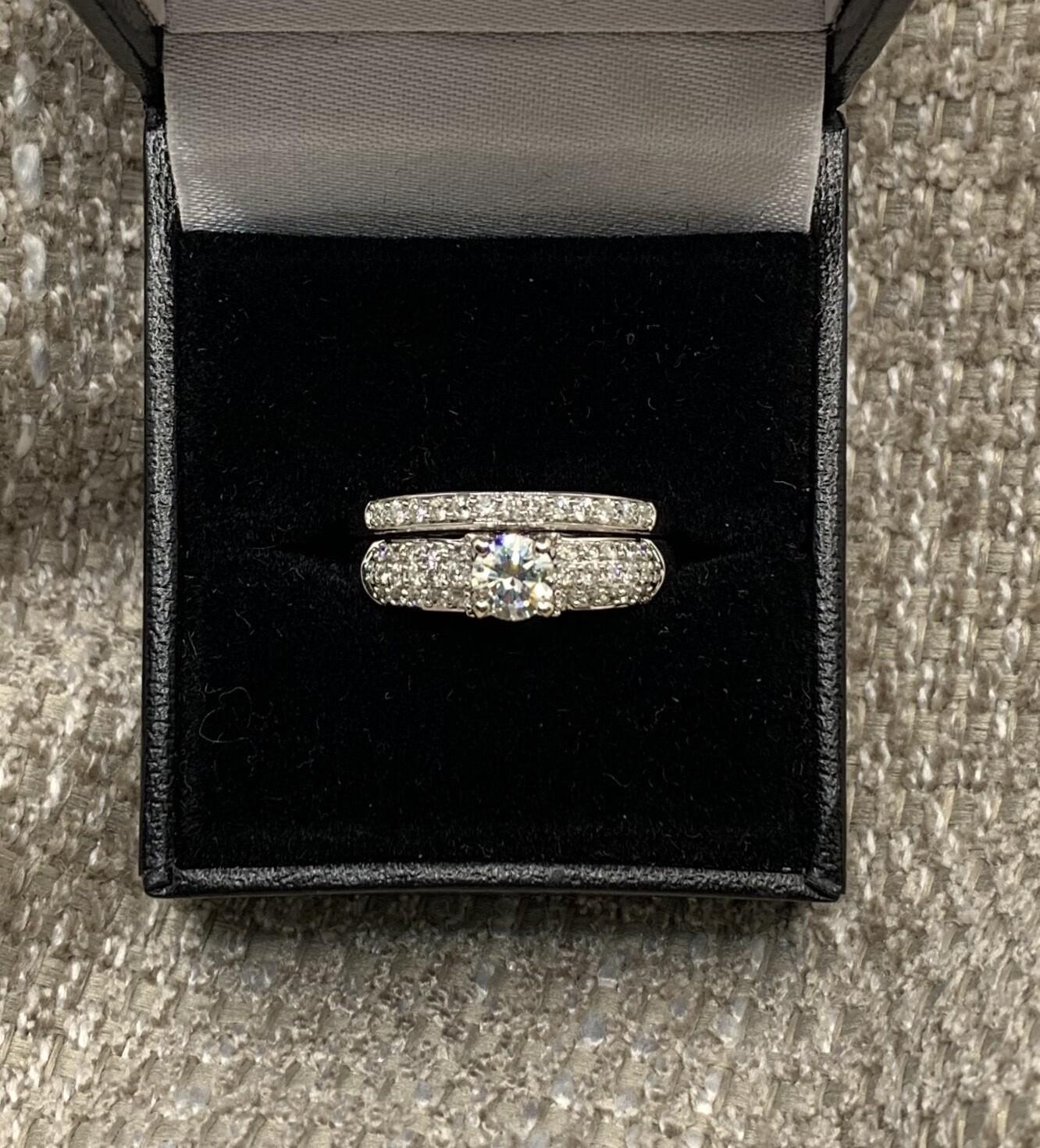 Brilliant Diamond With Diamond Accent Bands Wedding Set