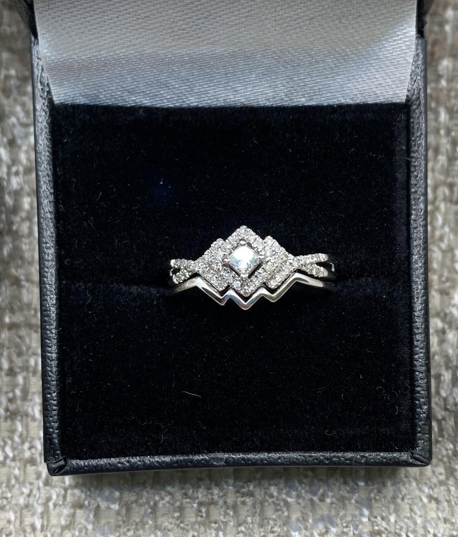 Diamond Bypass With Interlocking Wedding Band