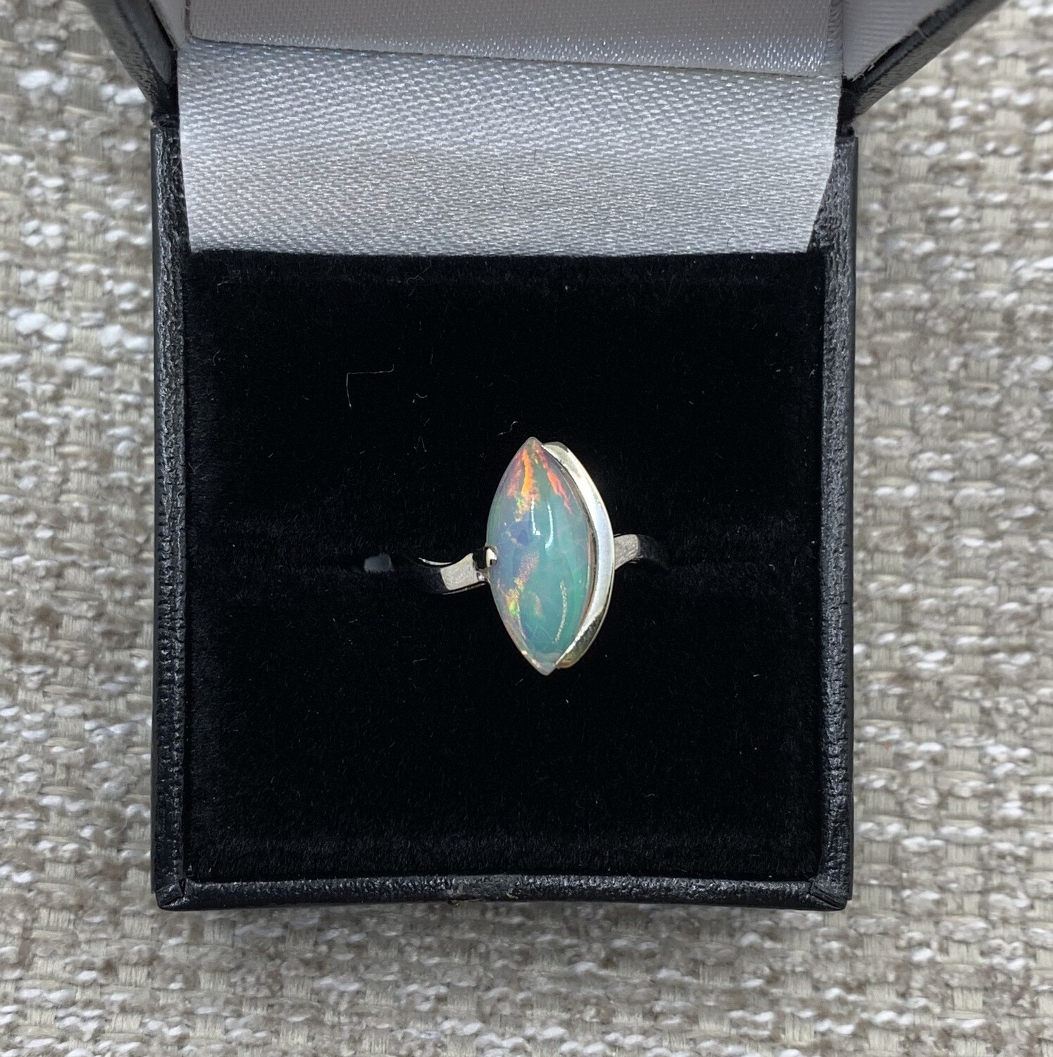 Marquis-shaped 1.63ct Opal Ring