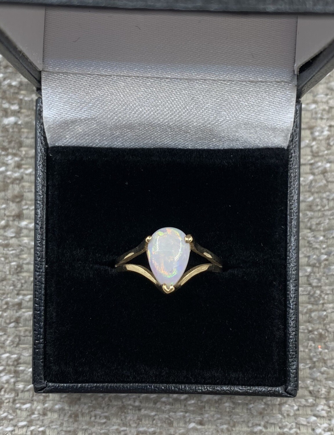 Pear Shaped .9ct Genuine Opal set in Yellow Gold Ring