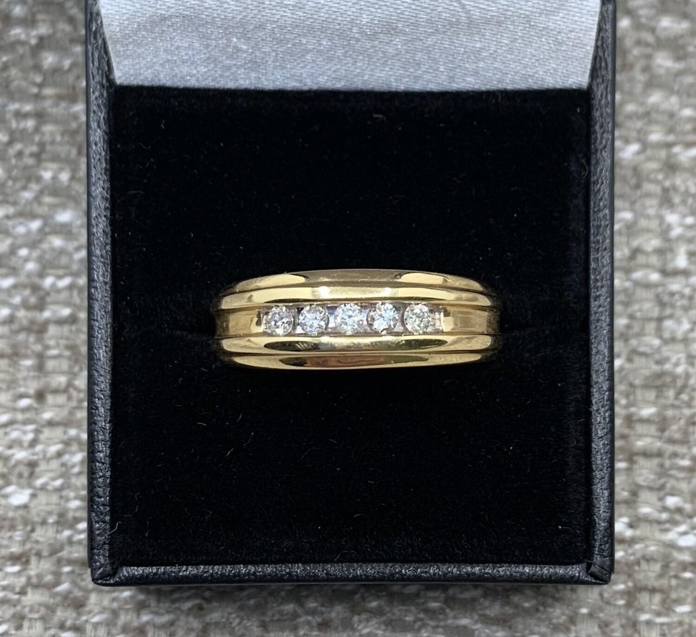 Men's 5 Diamond Yellow Gold Band